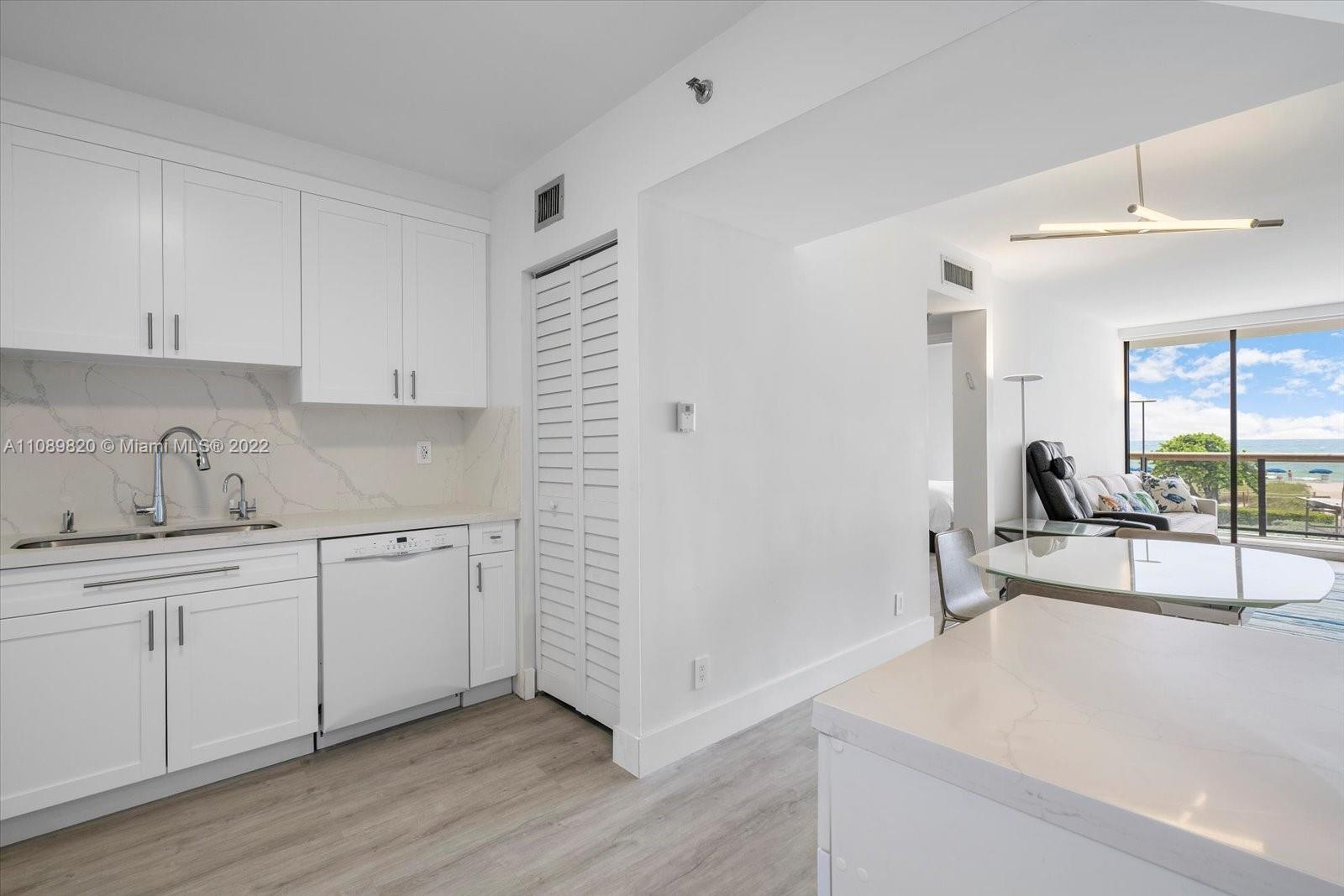 9455 Collins Ave #309 photo030