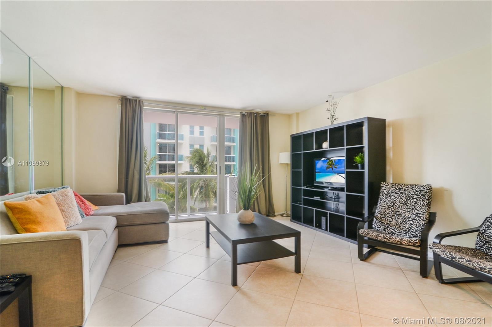 9195 Collins Ave #409 photo02