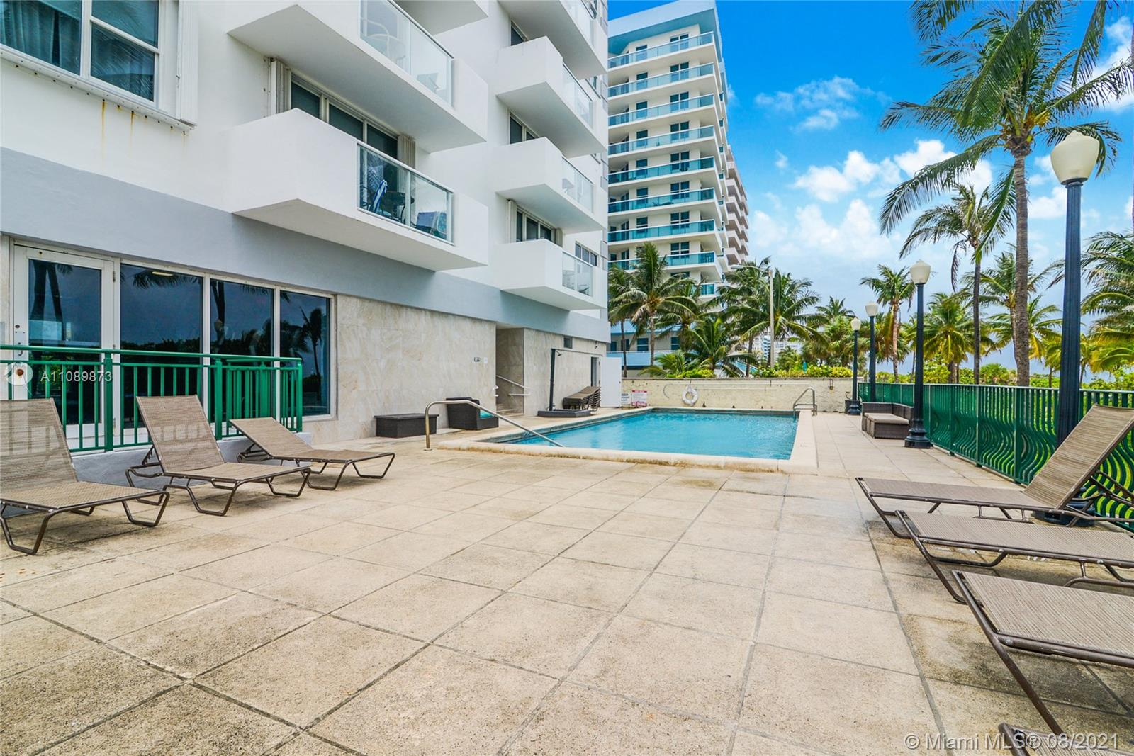 9195 Collins Ave #409 photo012
