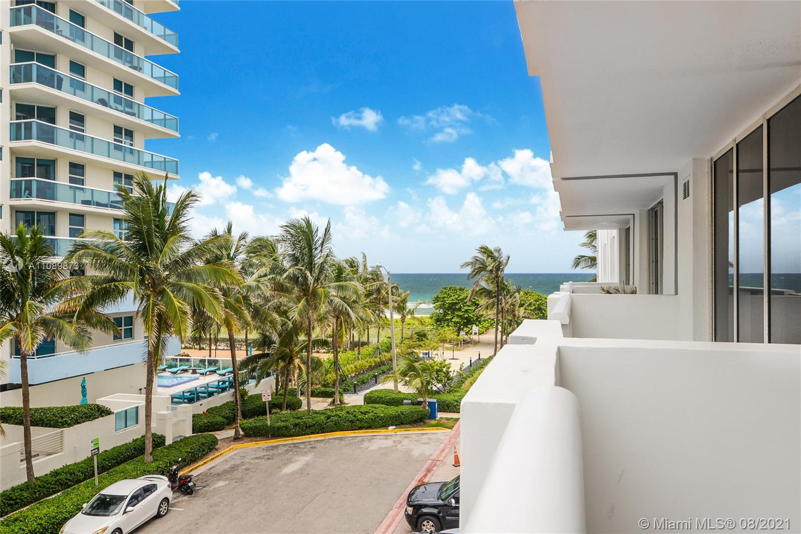 9195 Collins Ave #409 photo01