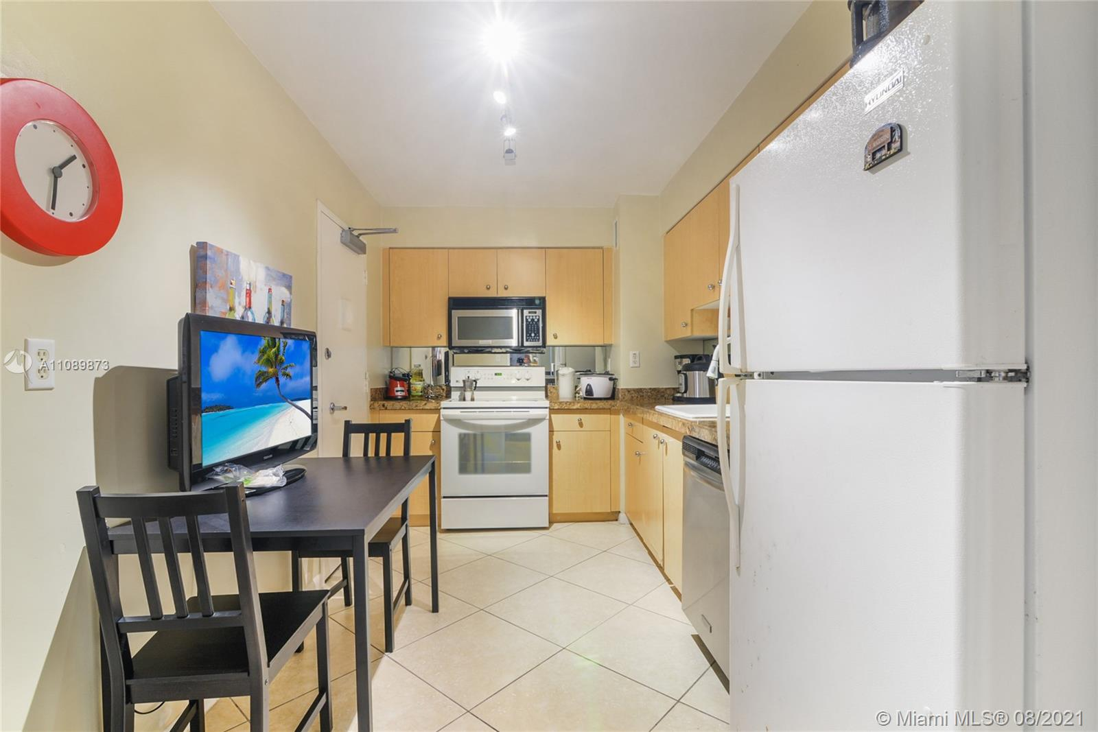 9195 Collins Ave #409 photo05