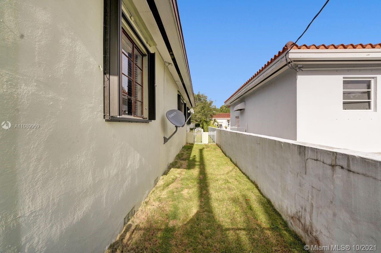 916 El Rado St photo033