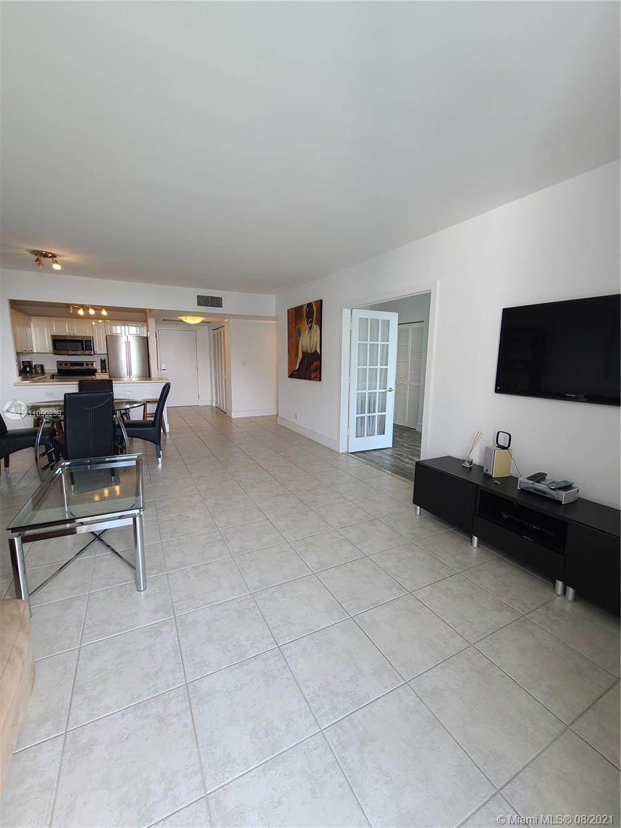 2301 Collins Ave #537 photo03