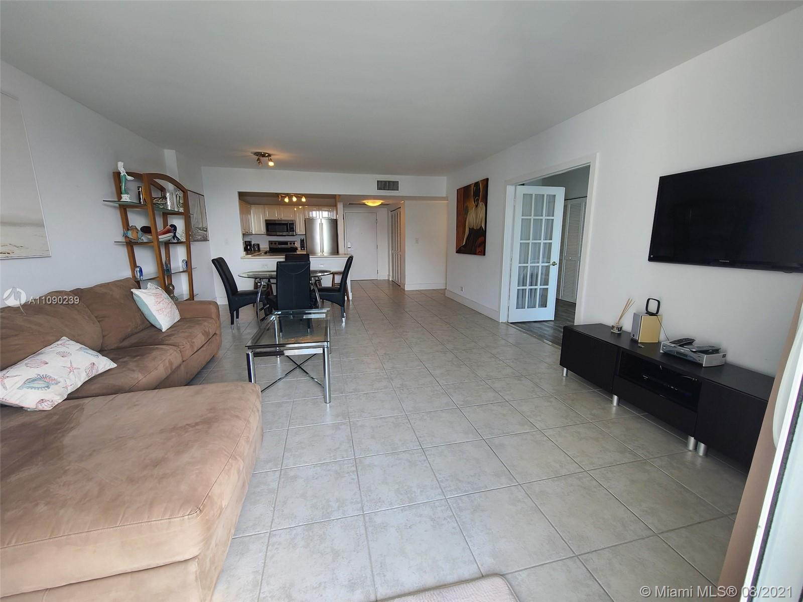 2301 Collins Ave #537 photo05