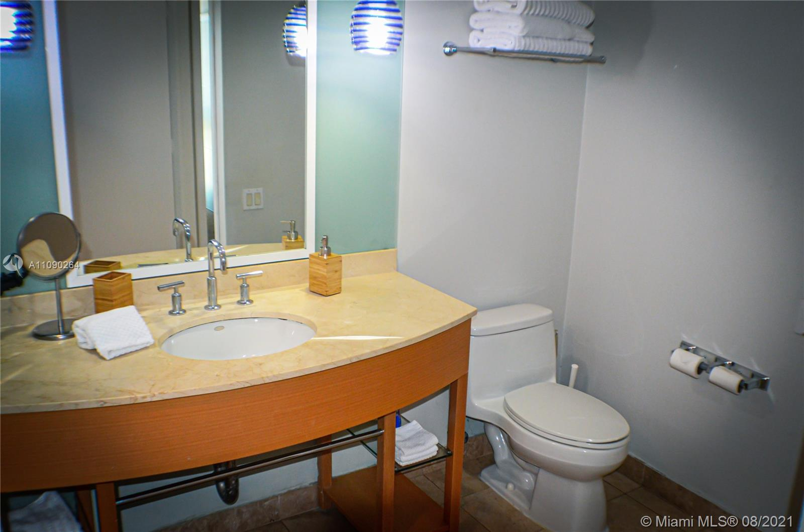 18683 Collins Ave #806 photo09