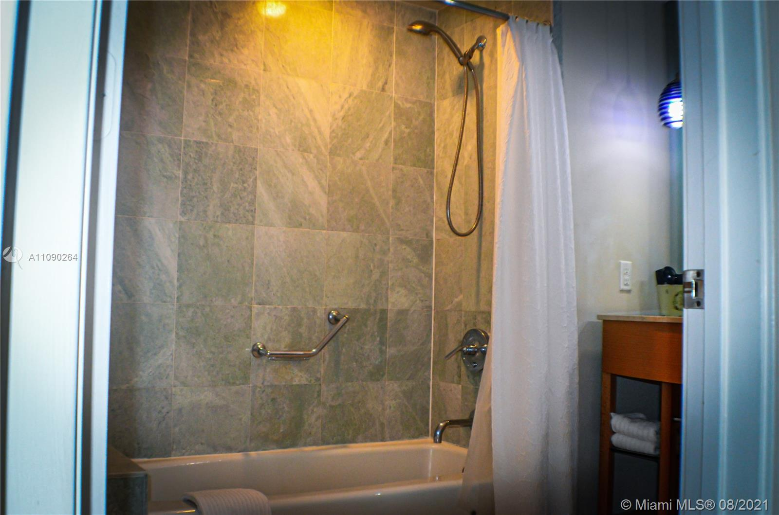 18683 Collins Ave #806 photo08