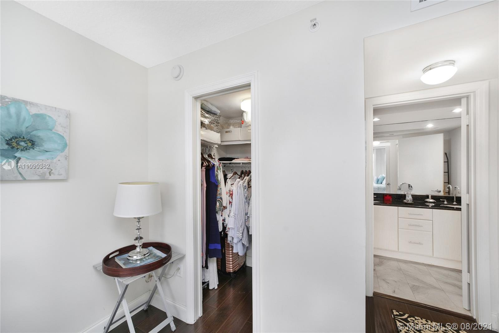 6917 Collins Ave #1006 photo020