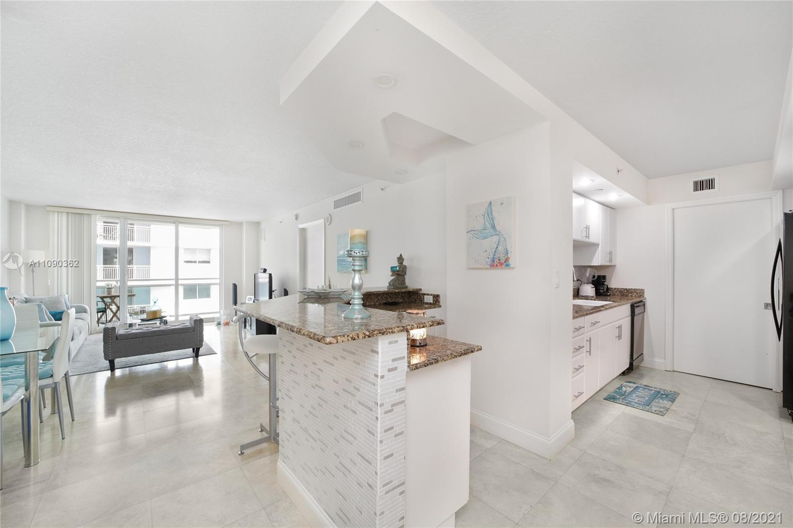 6917 Collins Ave #1006 photo09