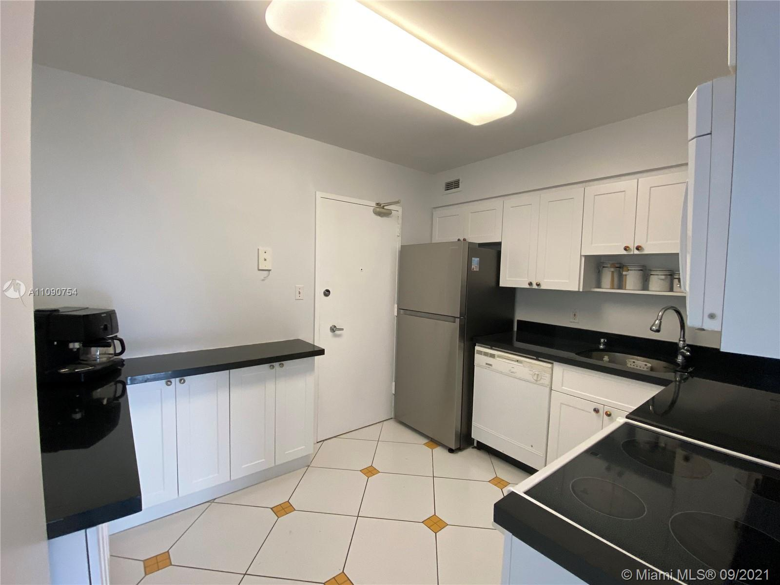 5161 Collins Ave #416 photo08