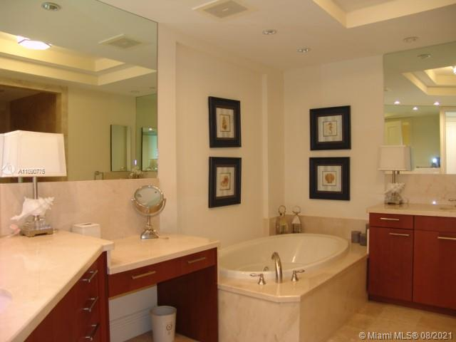 10295 Collins Ave #803 photo030