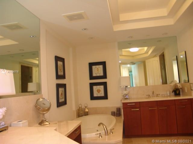 10295 Collins Ave #803 photo031