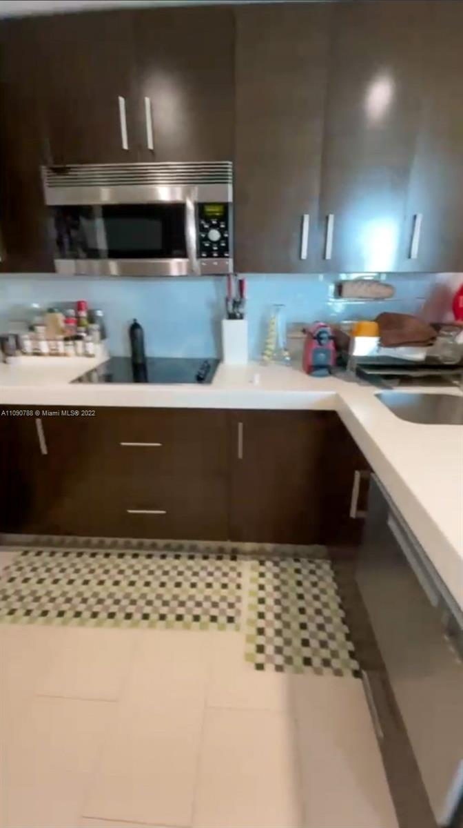 17315 Collins Ave #802 photo08