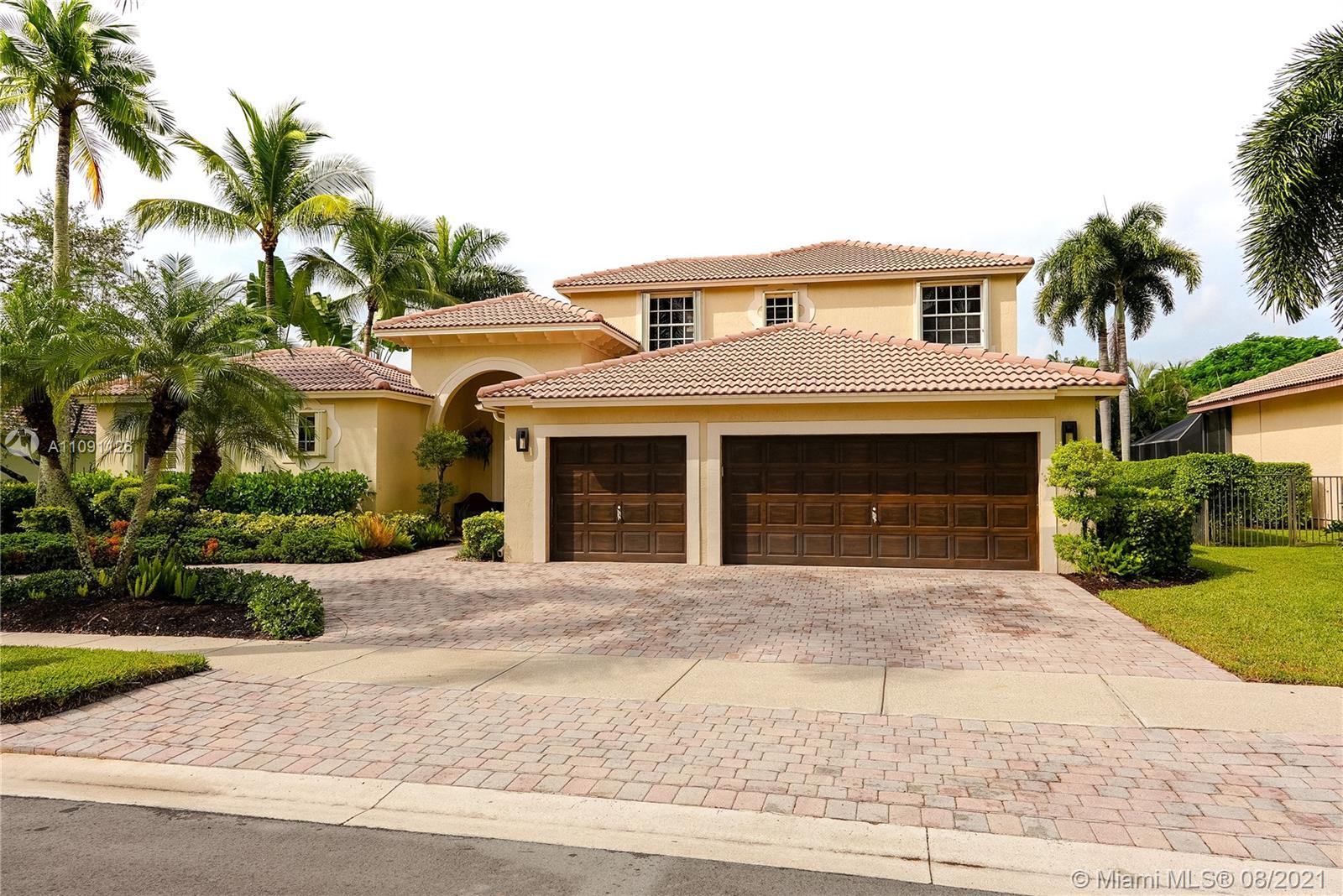 Weston Hills - 2508 Montclaire Cir, Weston, FL 33327