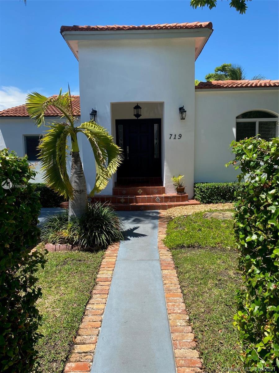 Single Family Home,For Sale,719 W 51st St, Miami Beach, Florida 33140,Brickell,realty,broker,condos near me