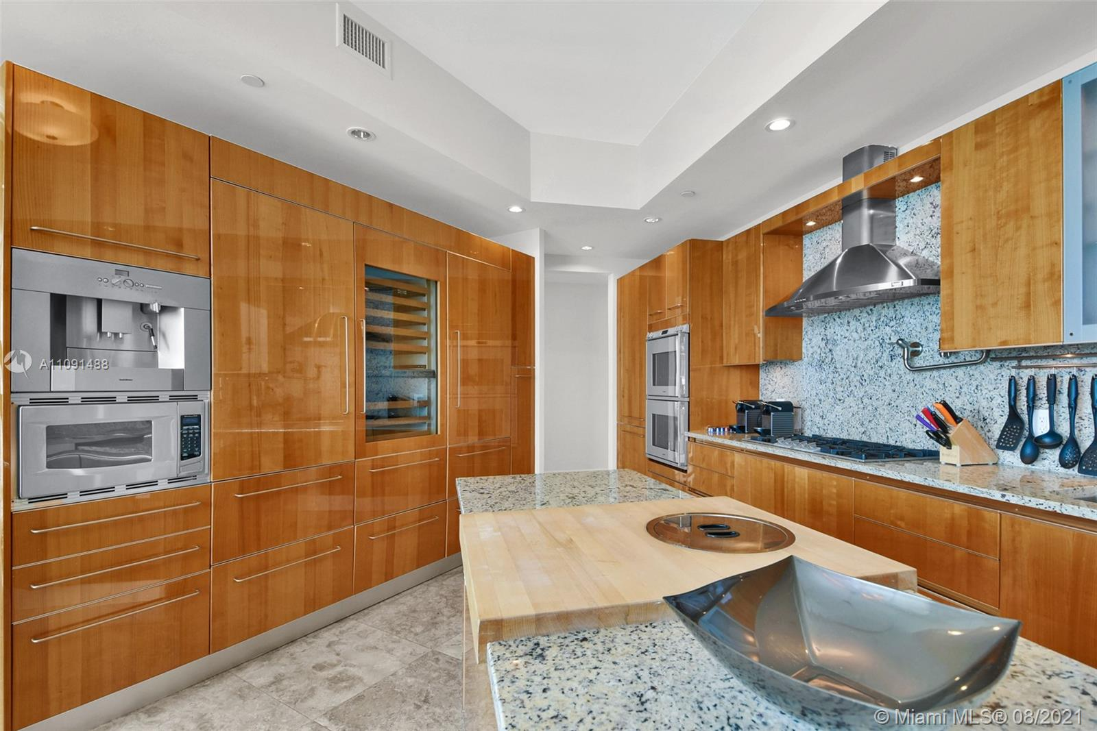 16051 Collins Ave #3104 photo017