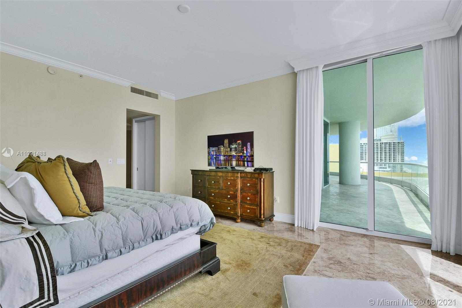 16051 Collins Ave #3104 photo026