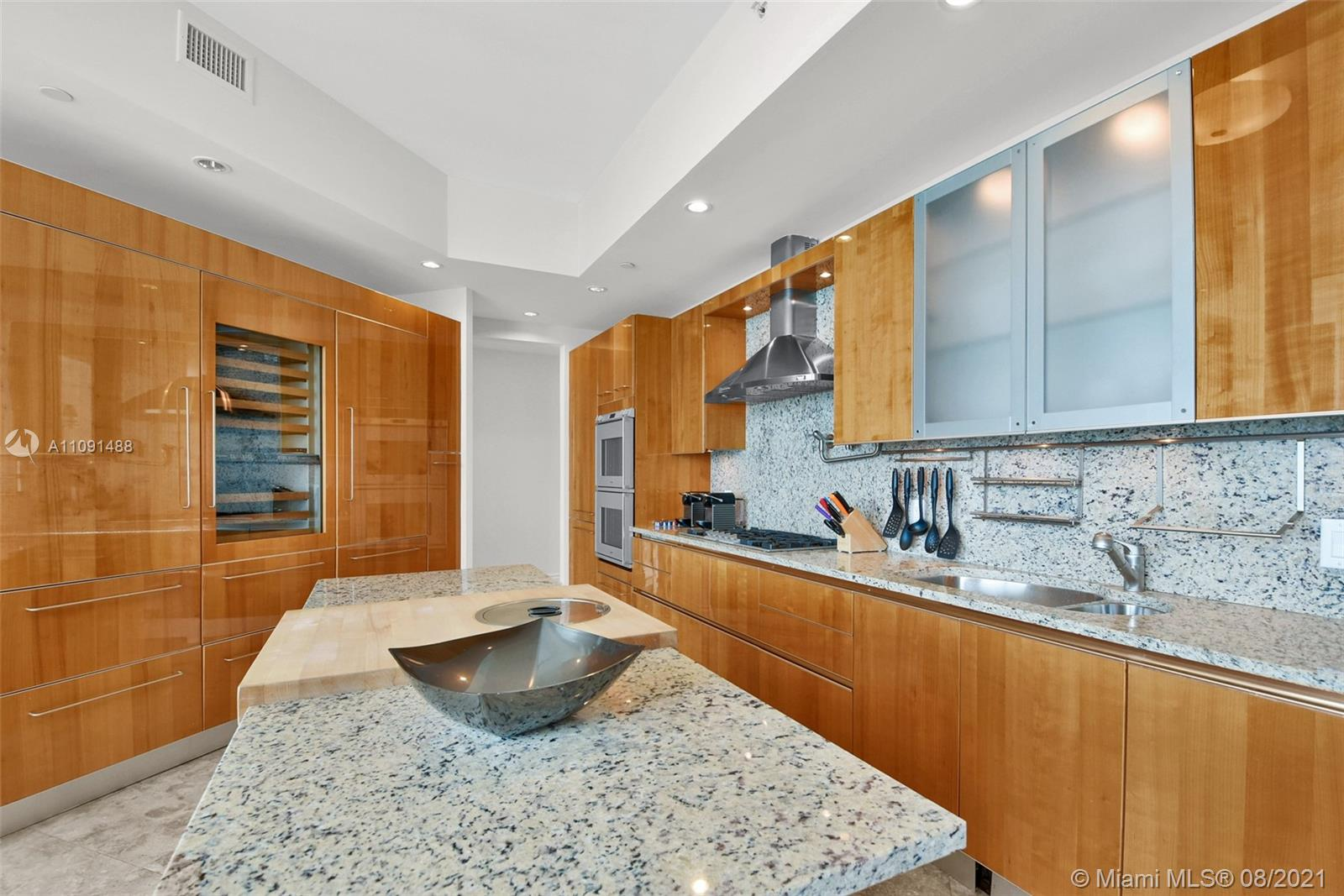 16051 Collins Ave #3104 photo020