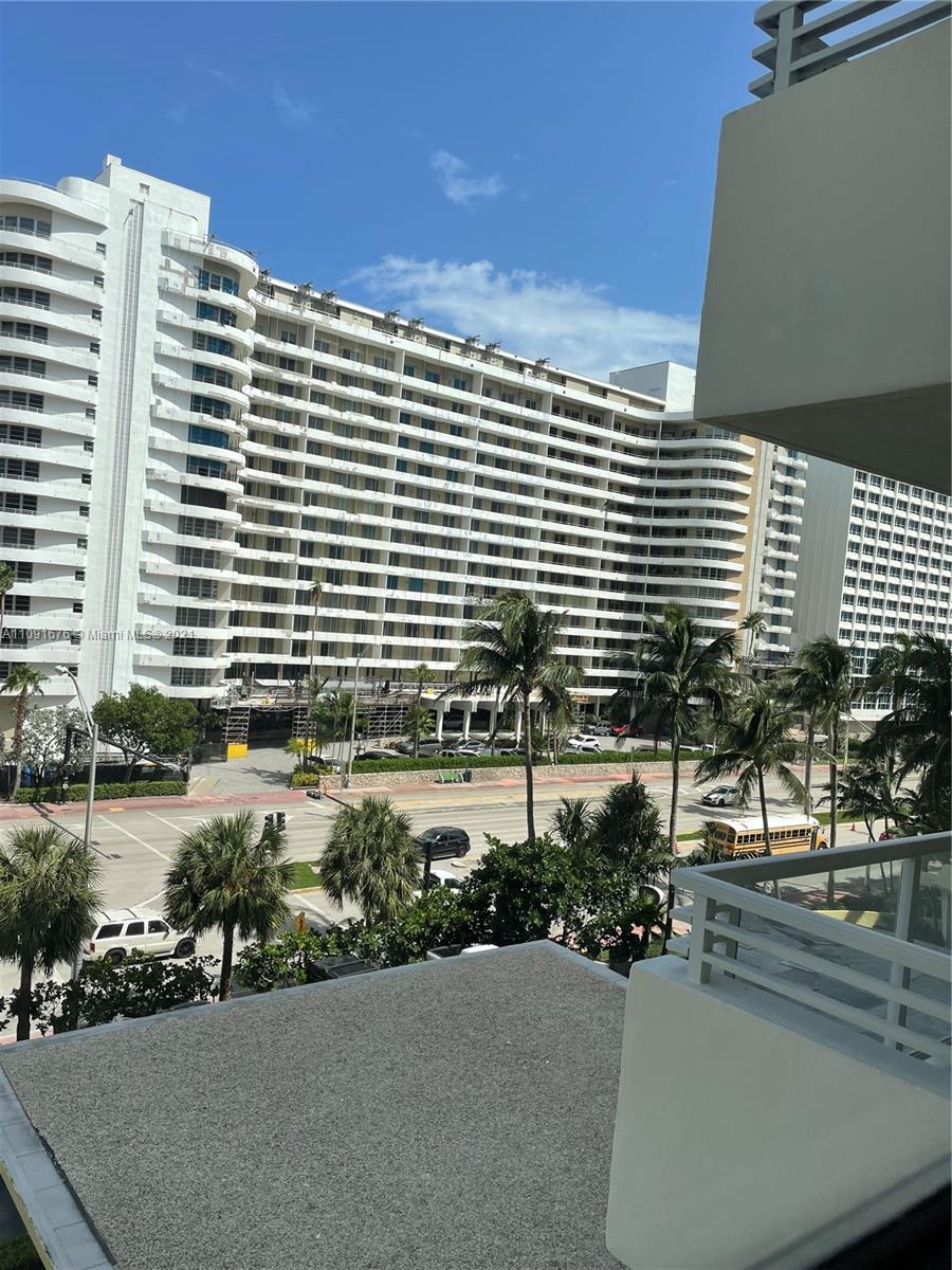 5600 Collins ave #6W photo04