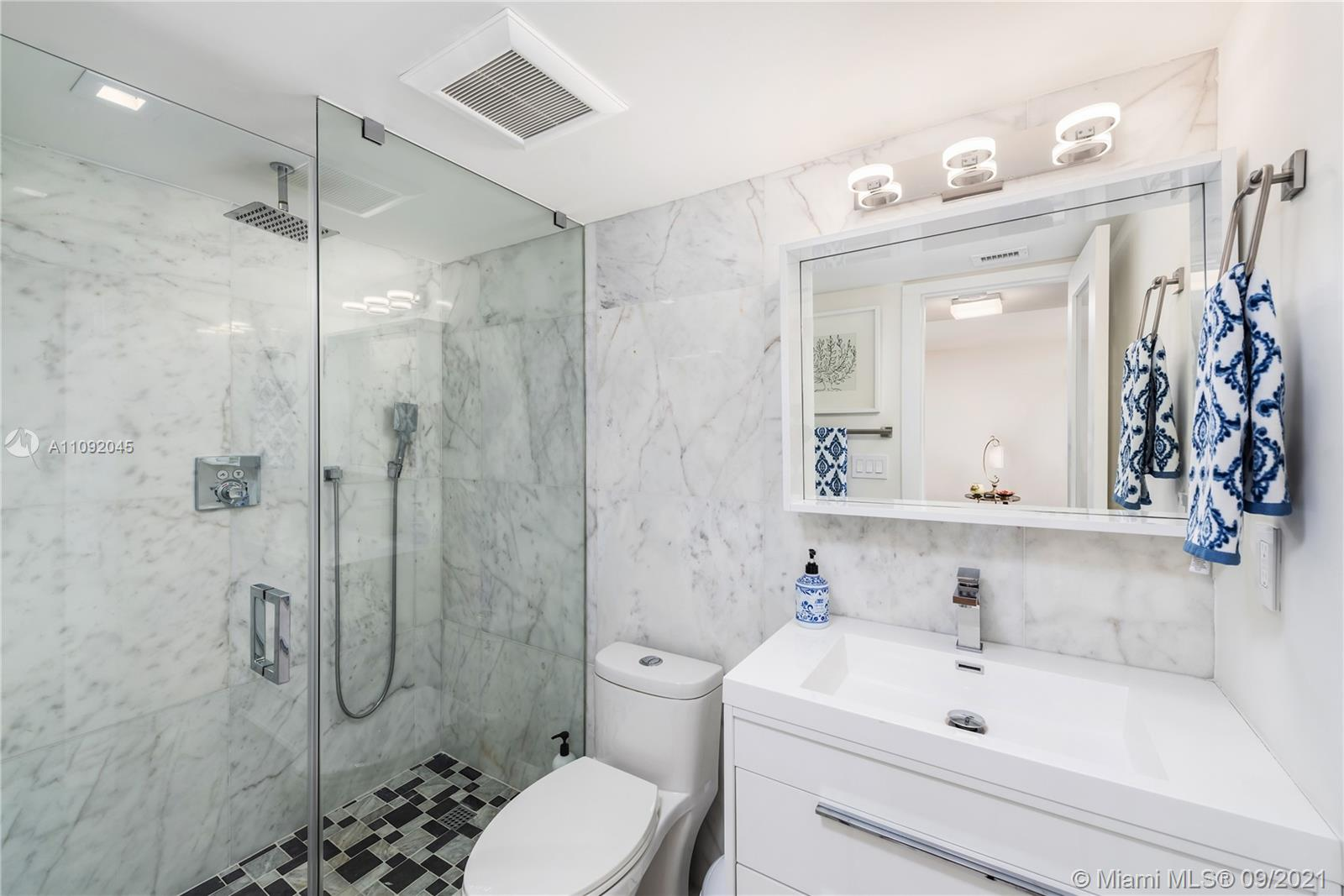 2625 Collins Ave #212 photo019