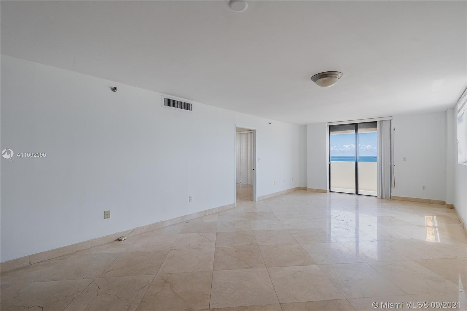 1623 Collins Ave #920 photo02