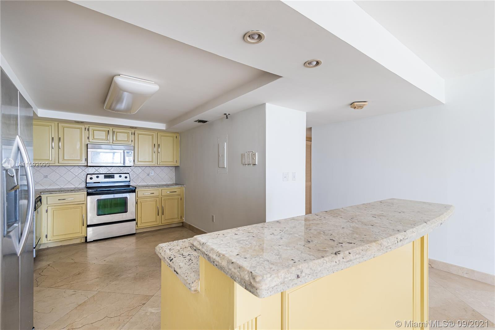 1623 Collins Ave #920 photo06
