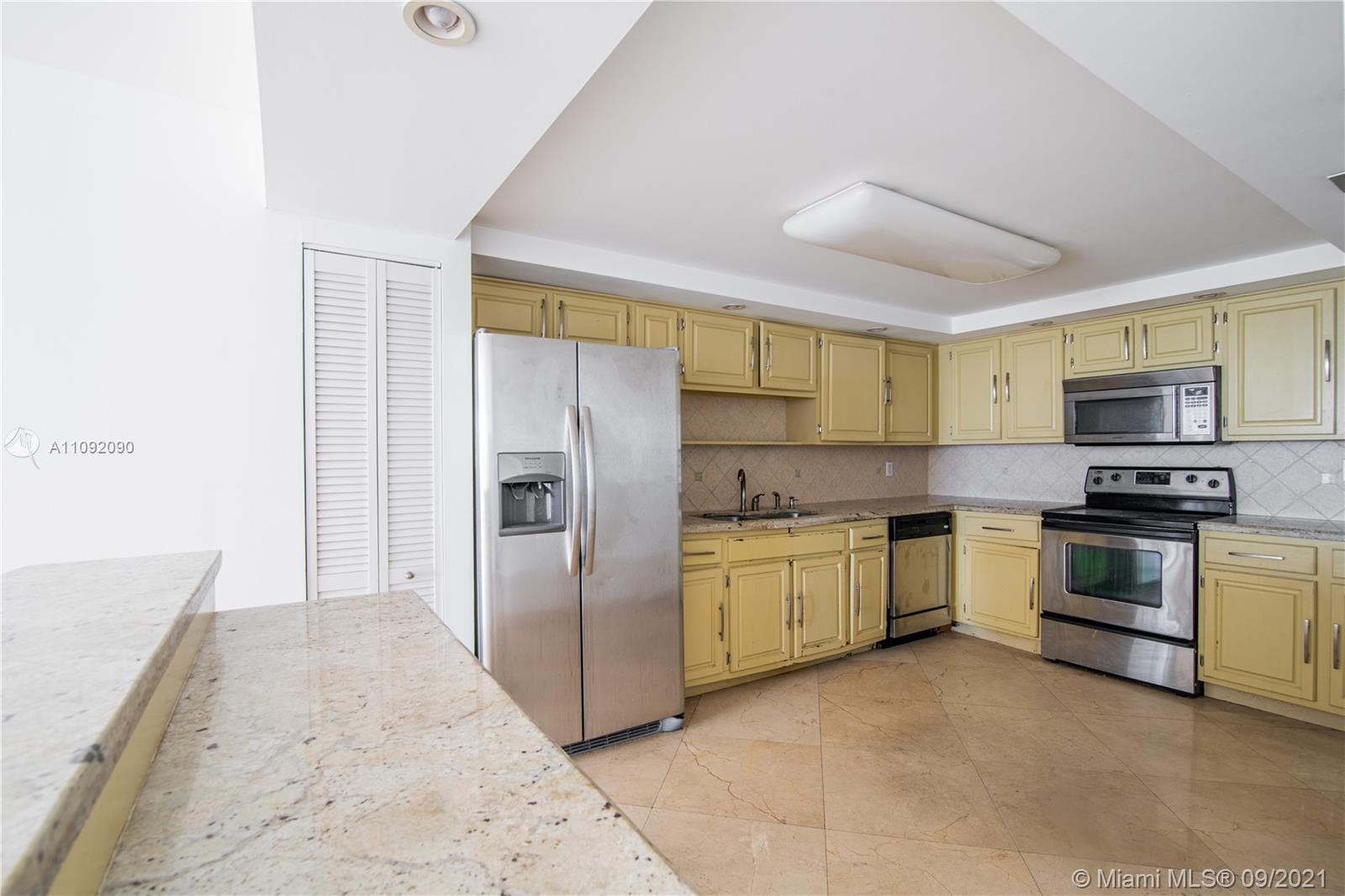 1623 Collins Ave #920 photo07