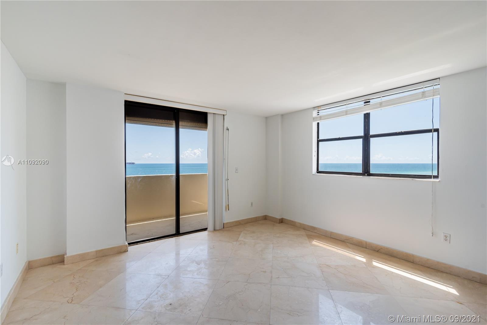 1623 Collins Ave #920 photo03