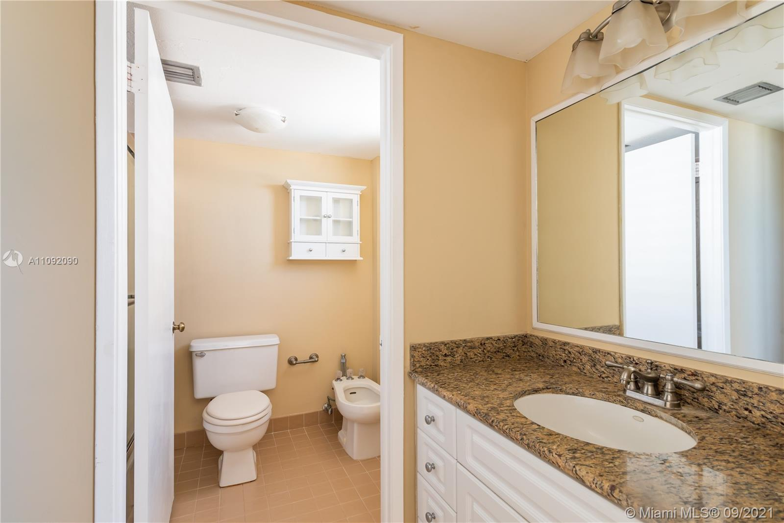 1623 Collins Ave #920 photo011