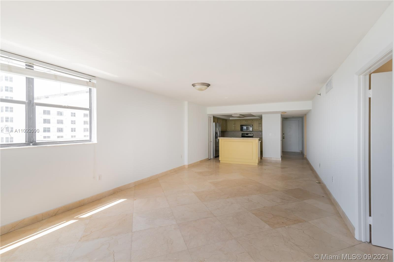 1623 Collins Ave #920 photo04