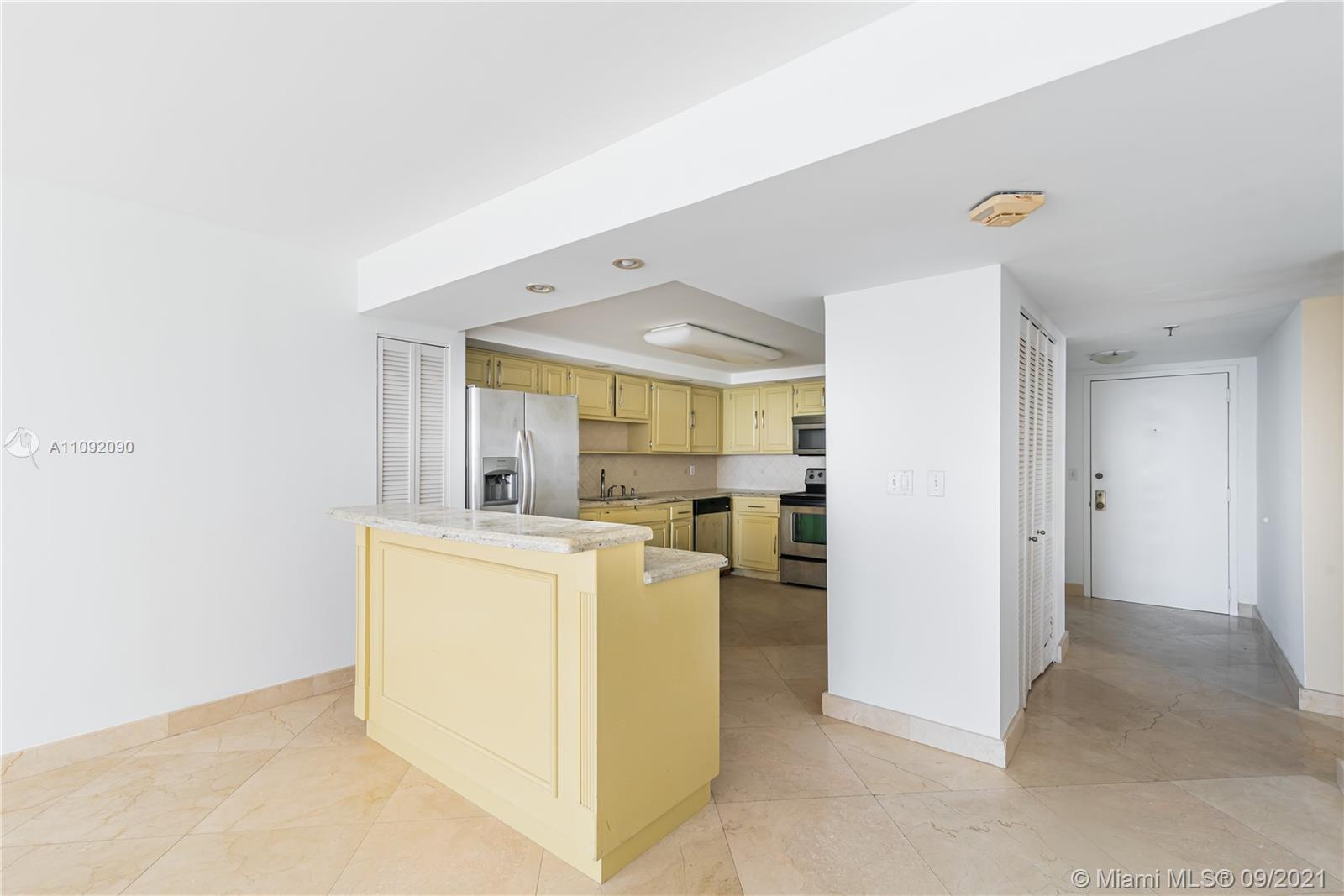 1623 Collins Ave #920 photo08