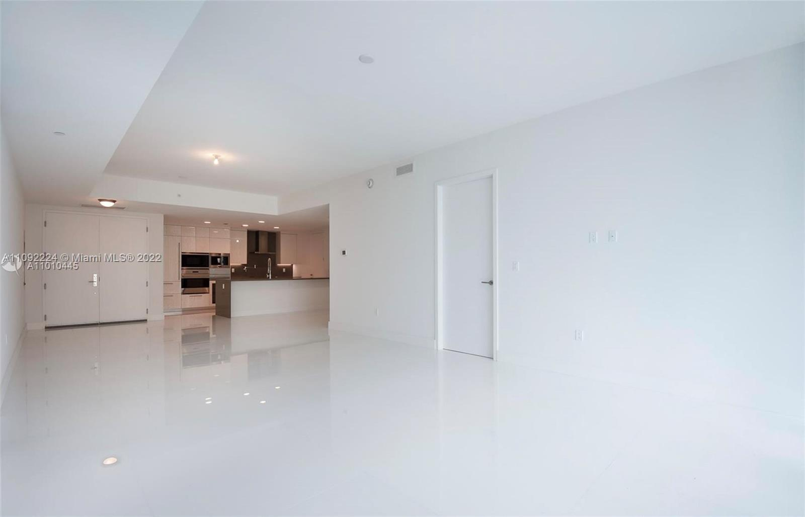 17475 Collins Ave #903 photo04