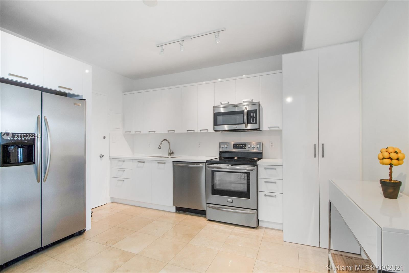 5055 Collins Ave #7K photo05