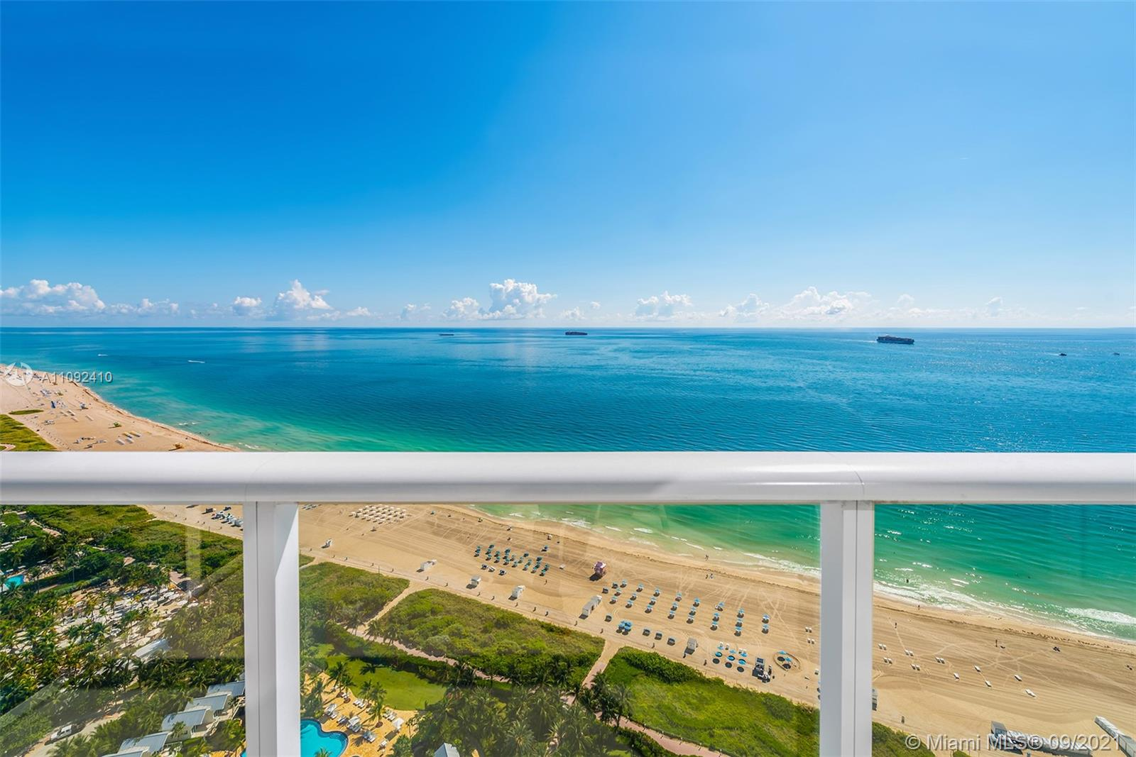 100 S Pointe Dr #3605 photo04
