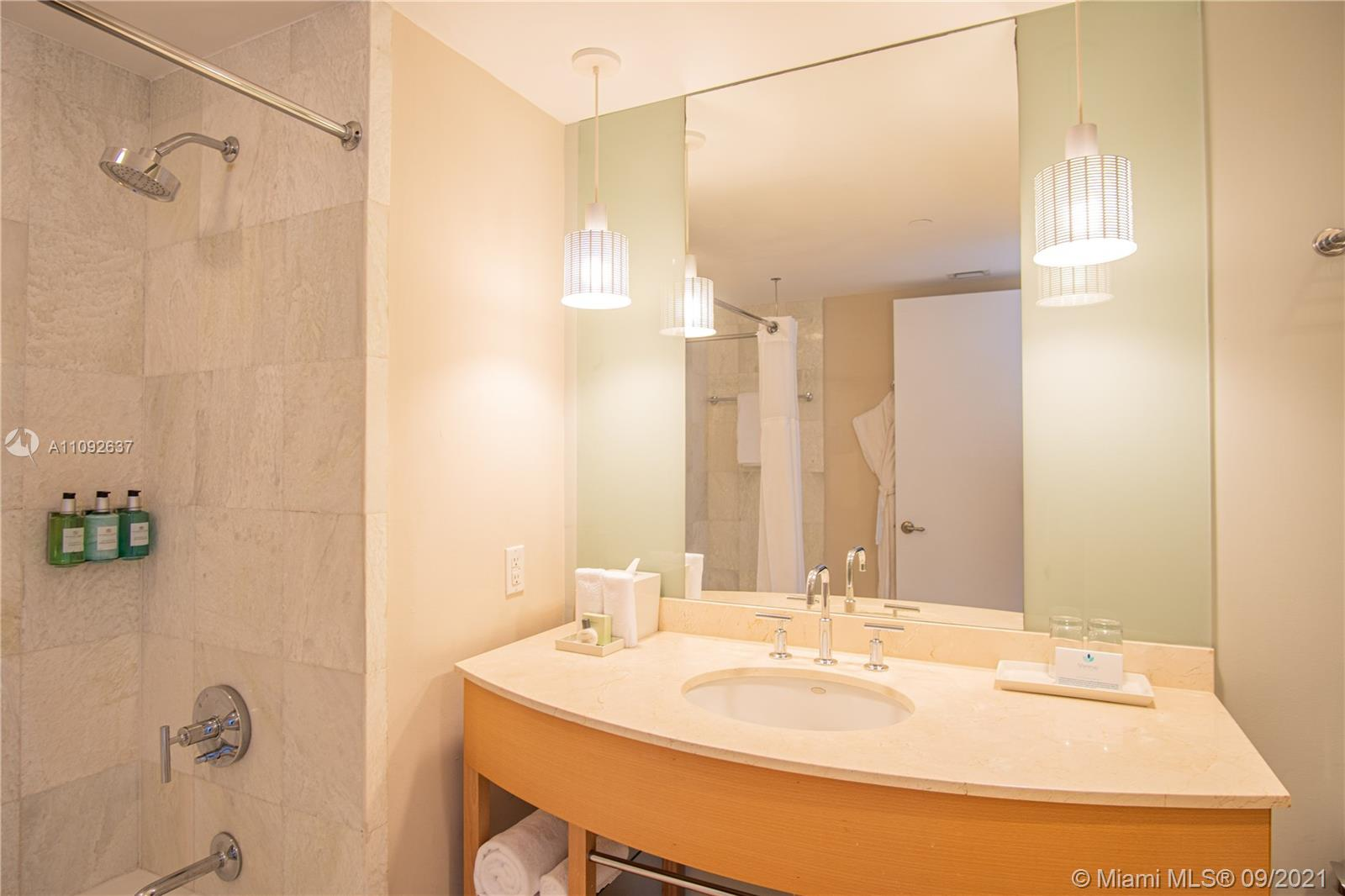18683 Collins Ave #905 photo05