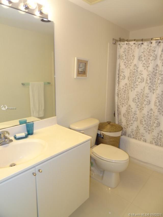 17375 Collins Ave #2303 photo019