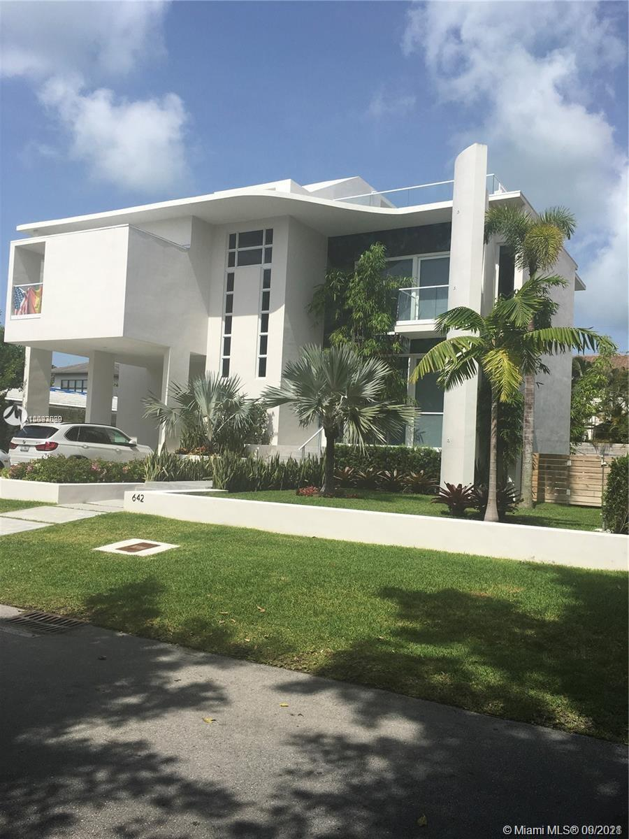 Biscayne Key Estates - 642 Hampton Ln, Key Biscayne, FL 33149