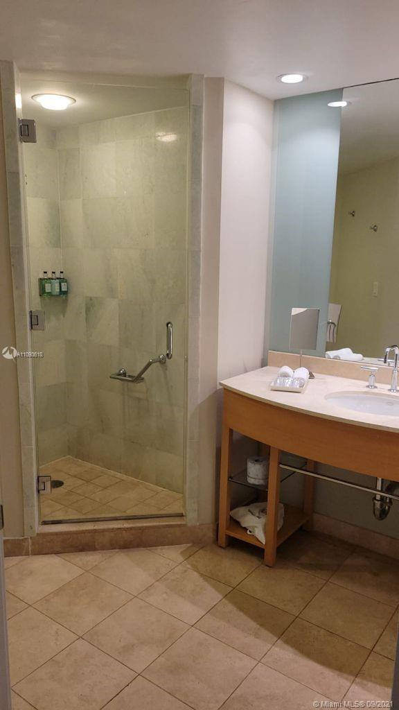18683 Collins Ave #1401 photo05