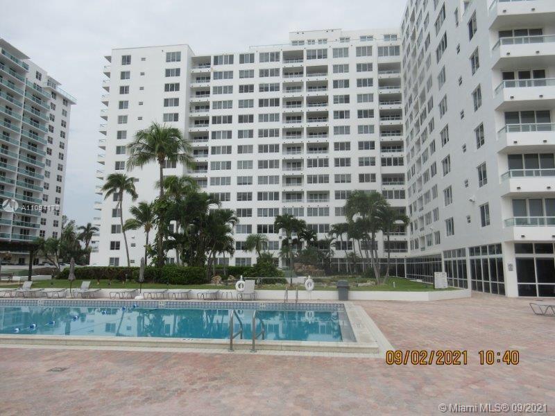 Carriage Club North Tower #112 - 5005 Collins Ave #112, Miami Beach, FL 33140