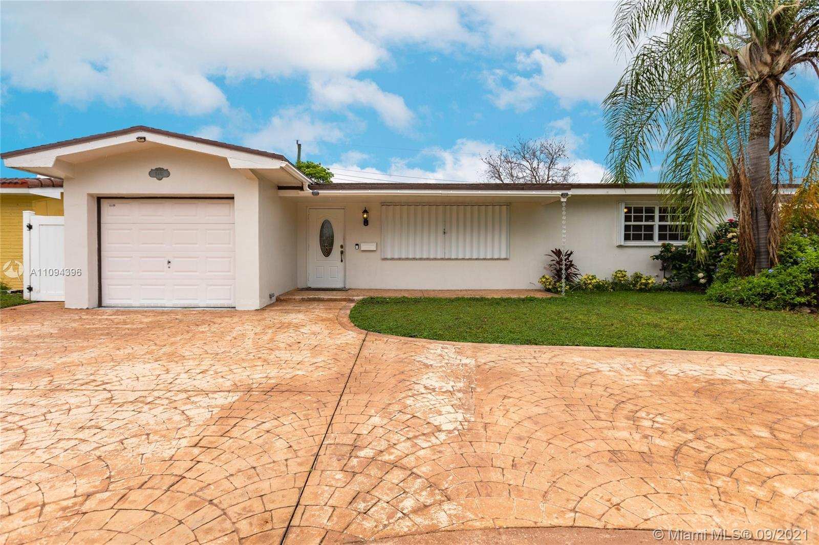 Boulevard Heights - 8481 NW 11th Ct, Pembroke Pines, FL 33024
