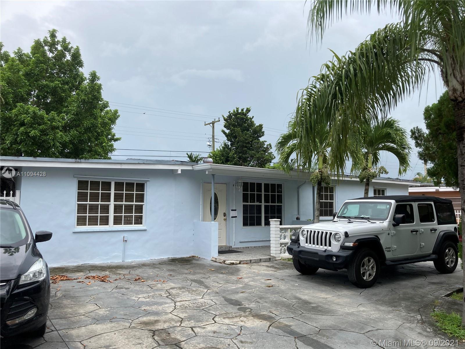 Westwood Lake - 4121 SW 112th Ave, Miami, FL 33165
