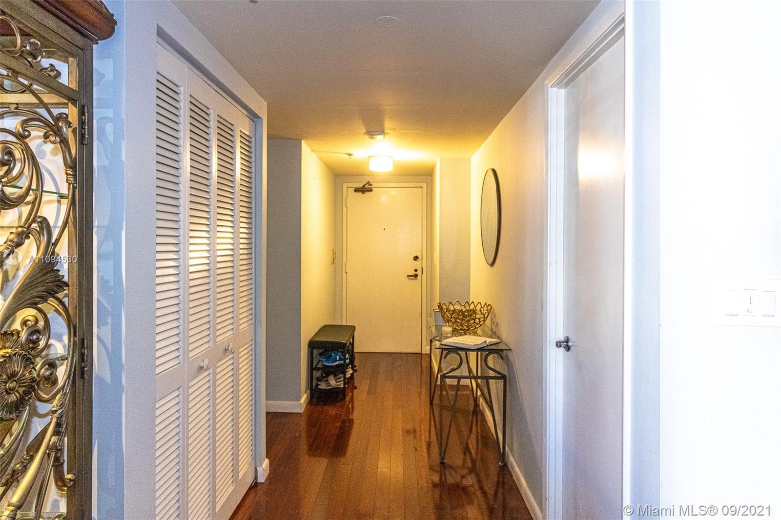 520 Brickell Key Dr #A1414 photo02