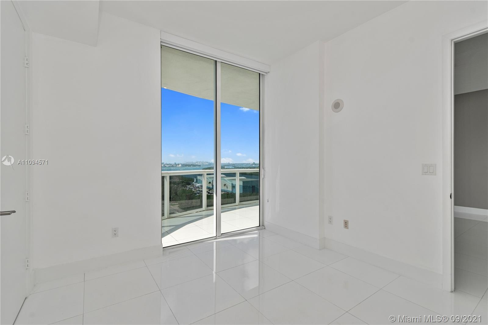 15811 Collins Ave #1802 photo023