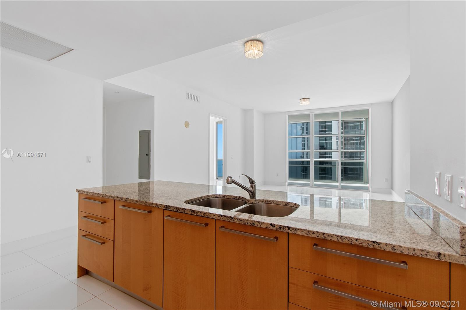 15811 Collins Ave #1802 photo06