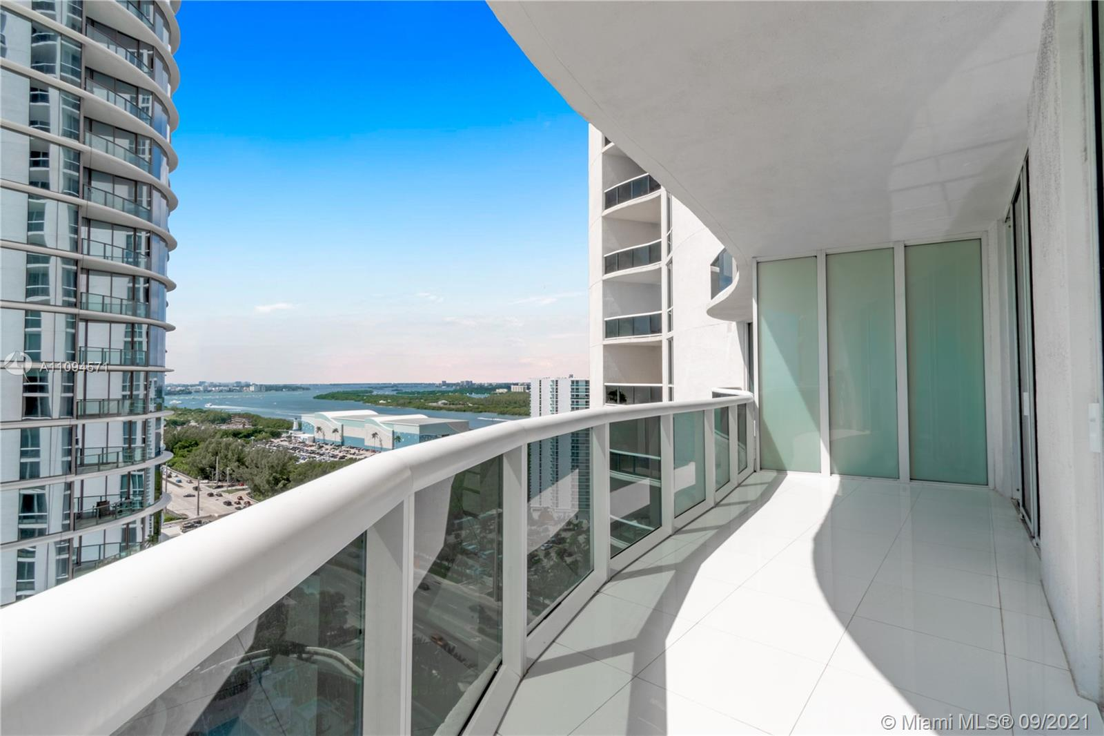 15811 Collins Ave #1802 photo028