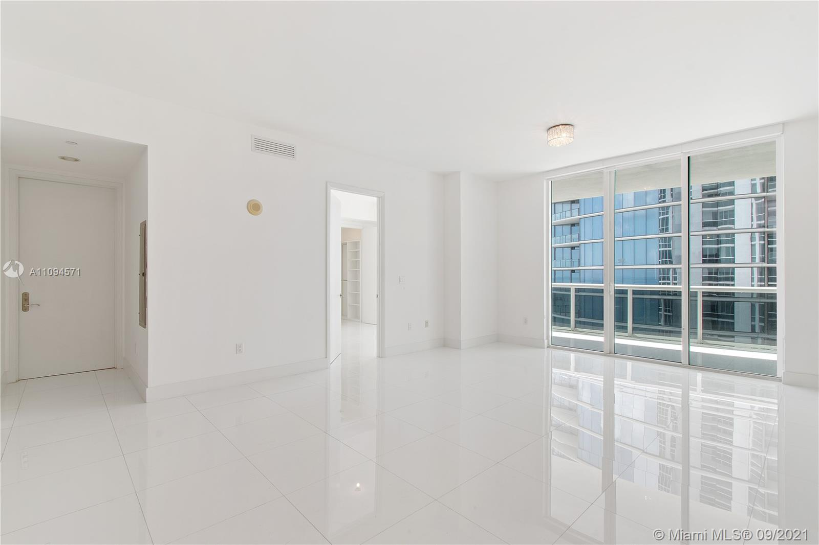 15811 Collins Ave #1802 photo09