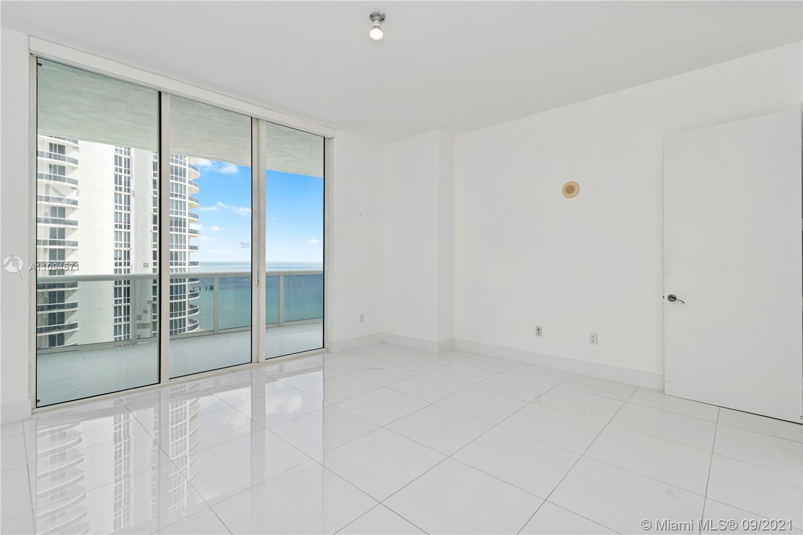 15811 Collins Ave #1802 photo014