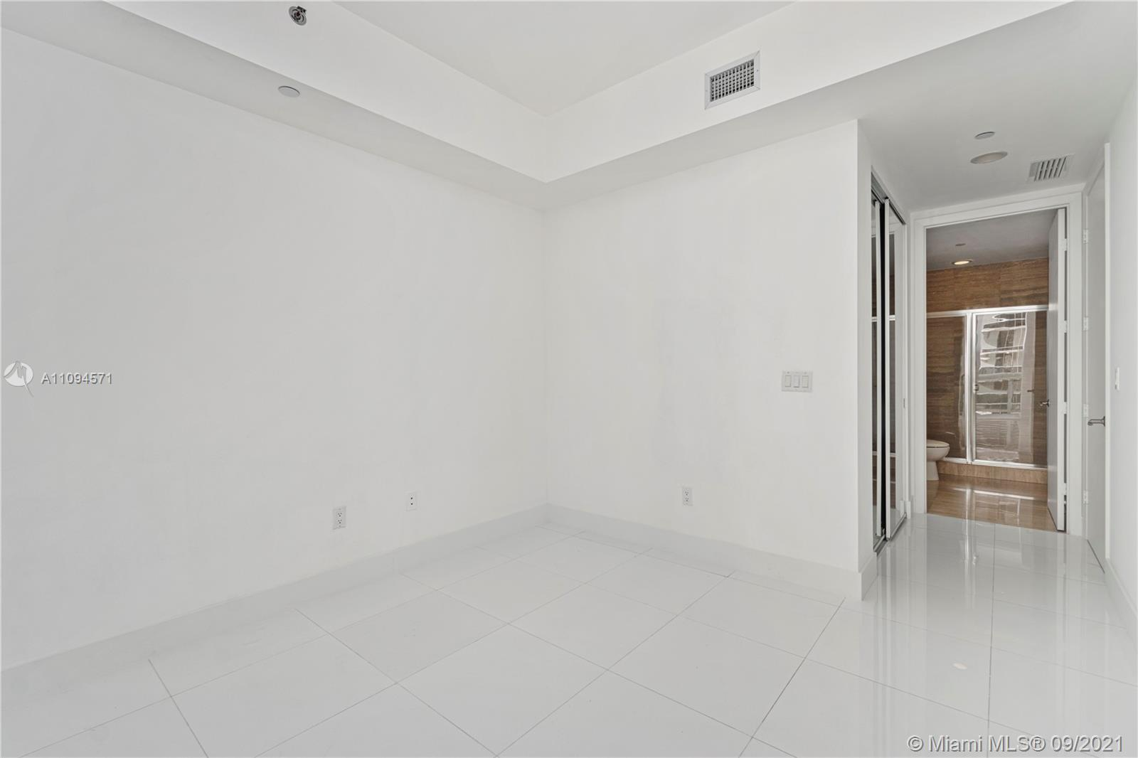15811 Collins Ave #1802 photo021