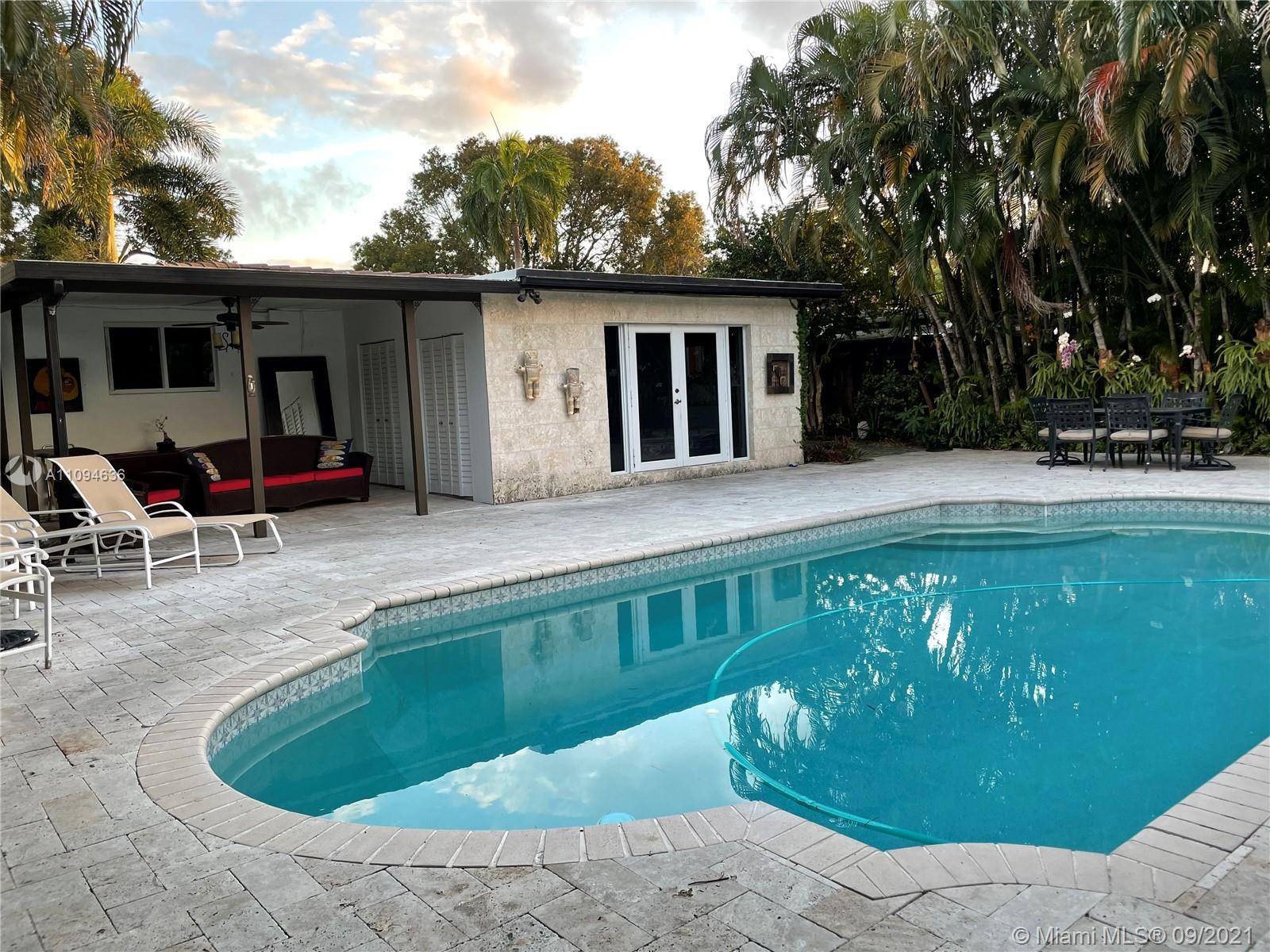 Sunny Acres - 1315 Dewey St, Hollywood, FL 33019