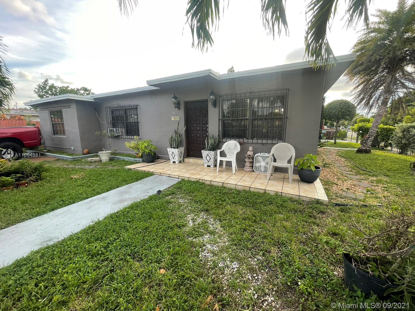 Single Family Home,For Sale,3960 W 1st Ave, Hialeah, Florida 33012,Brickell,realty,broker,condos near me