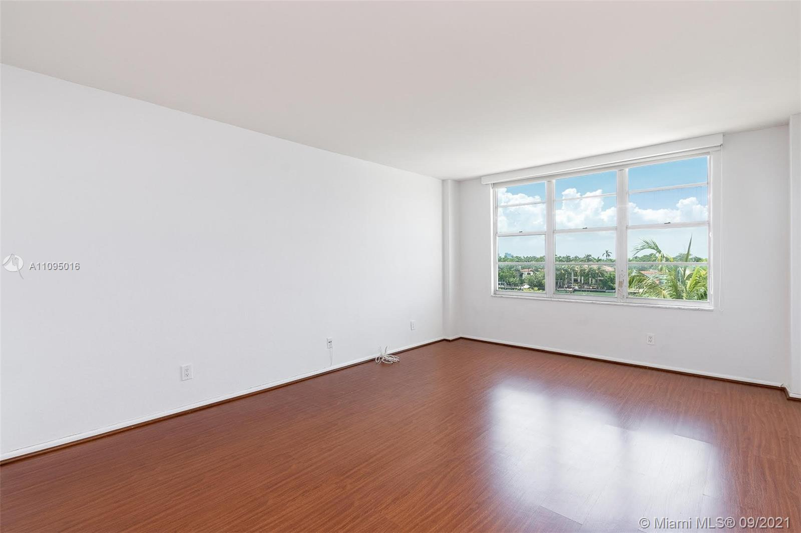5600 Collins Ave #5R photo022
